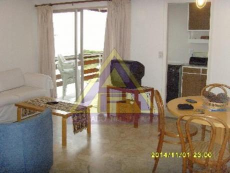 Apartamentos En Playa Mansa: Mci23a