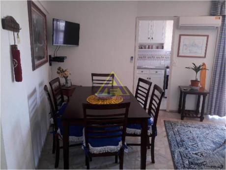 Apartamentos En Playa Mansa: Mci29a