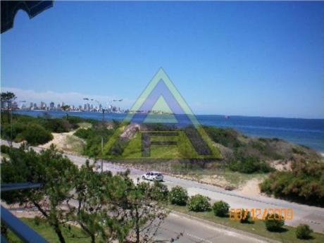Apartamentos En Playa Mansa: Mci350a