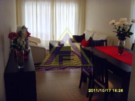 Apartamentos En Playa Mansa: Mci382a