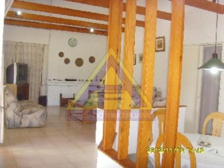 Casas En Playa Mansa: Mci427c