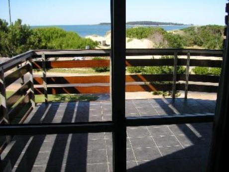 Apartamentos En Playa Mansa: Mci57a