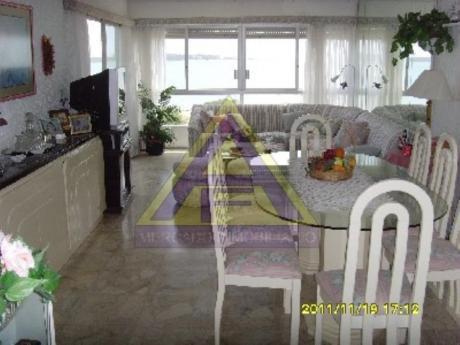 Apartamentos En Playa Mansa: Mci665a