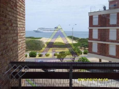 Apartamentos En Playa Mansa: Mci71a