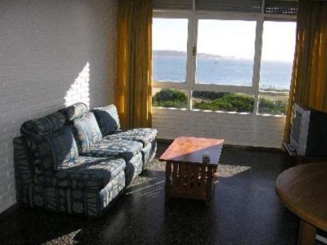Apartamentos En Playa Mansa: Mci81a