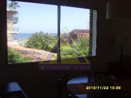 Apartamentos En Playa Mansa: Mci883a