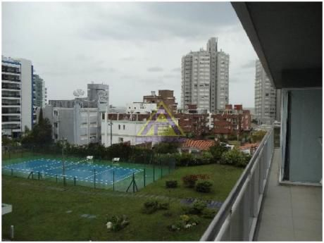 Apartamentos En Punta Del Este: Mci948a