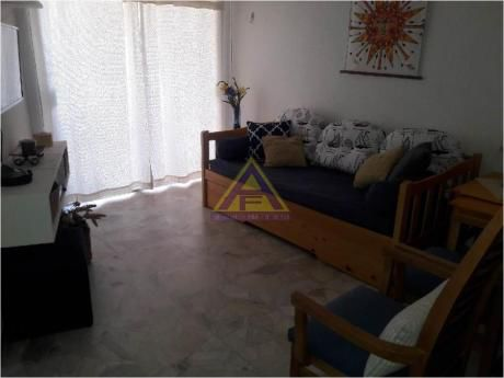 Apartamentos En Playa Mansa: Mci9a