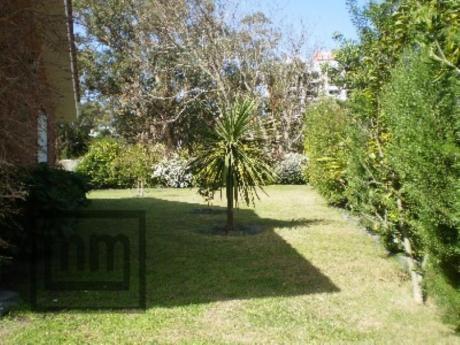 Casas En Playa Mansa: Mym2320c