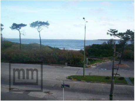Apartamentos En Playa Mansa: Mym2338a