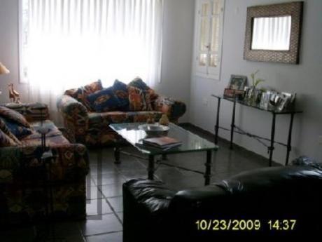 Casas En Playa Mansa: Mym2413c