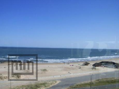 Apartamentos En Playa Brava: Mym2954a