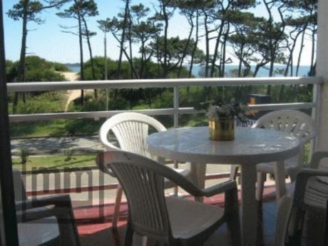 Apartamentos En Playa Mansa: Mym3122a