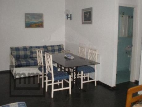 Apartamentos En Playa Mansa: Mym3267a
