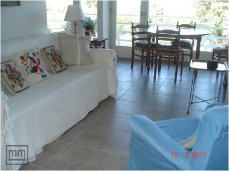 Apartamentos En Playa Mansa: Mym3522a