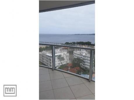 Apartamentos En Playa Mansa: Mym3631a