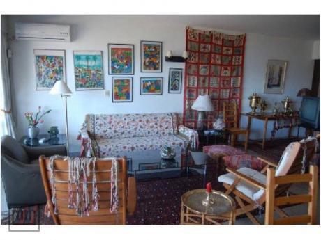 Apartamentos En Playa Mansa: Mym3651a
