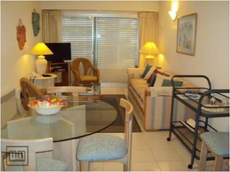 Apartamentos En Playa Brava: Mym3766a