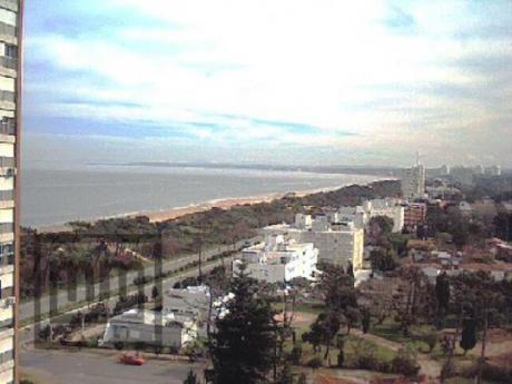 Apartamentos En Playa Mansa: Mym574a