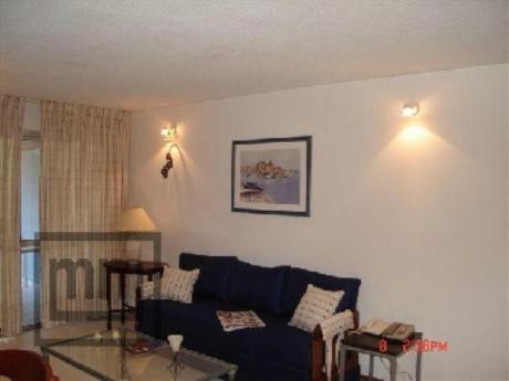 Apartamentos En Playa Brava: Mym635a