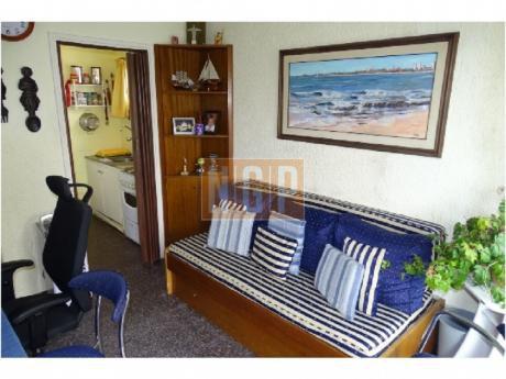 En Exclusividad !!!!!    Hermoso Apartamento Con Garage Cerrado Con 2 Bauleras No Se Lo Pierda Edificio Arenal  !!!!