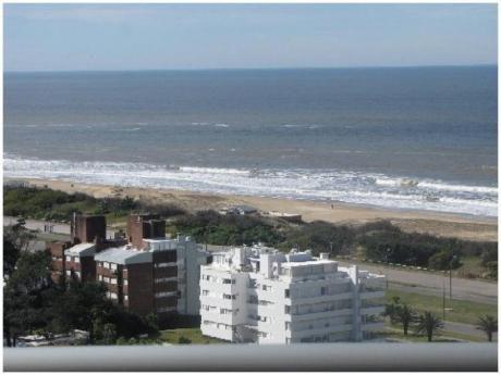 Apartamentos En Playa Brava: Ngp11823a