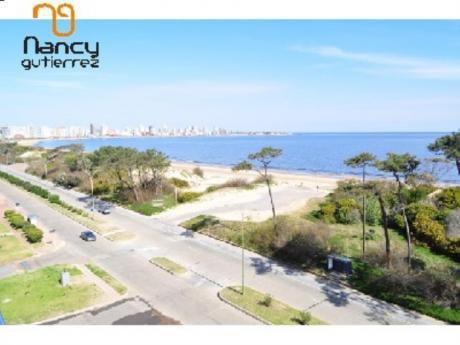 Apartamentos En Playa Mansa: Ngp12130a