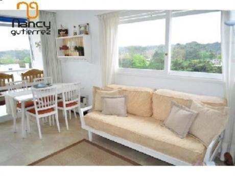 Apartamentos En Playa Mansa: Ngp12466a