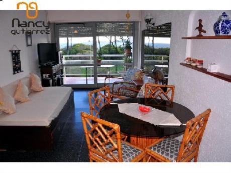 Apartamentos En Playa Mansa: Ngp15832a