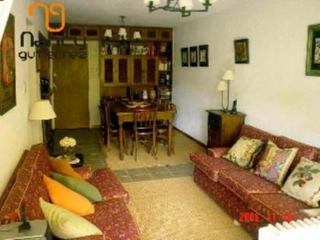 Apartamentos En Playa Mansa: Ngp5362a
