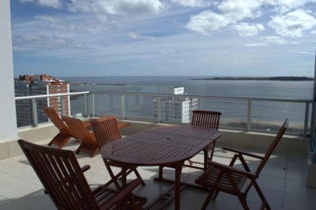 Apartamentos En Playa Mansa: Ocm298142a