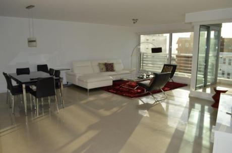 Apartamentos En Playa Mansa: Ocm383608a