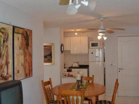 Apartamentos En Playa Mansa: Ocm448842a