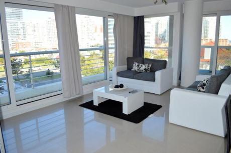 Apartamentos En Playa Mansa: Ocm556635a