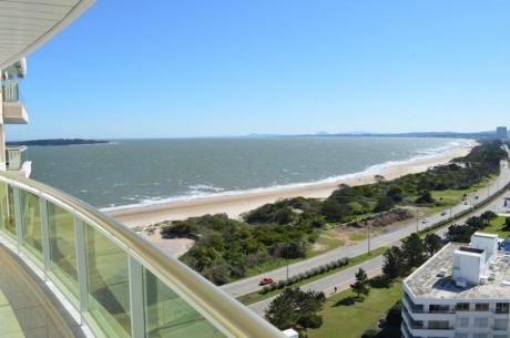 Apartamentos En Playa Mansa: Ocm557675a