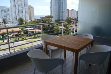 Apartamentos En Playa Mansa: Ocm641884a