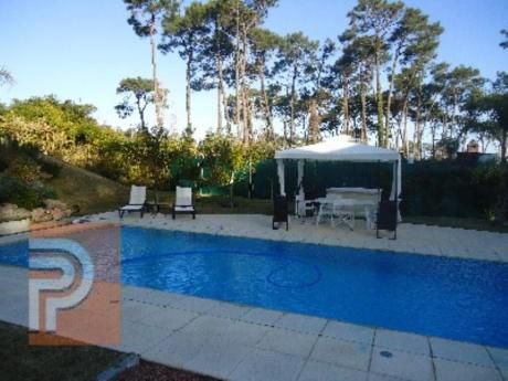 Casas En Playa Mansa: Plg2148c