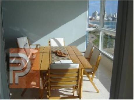 Apartamentos En Playa Mansa: Plg2365a