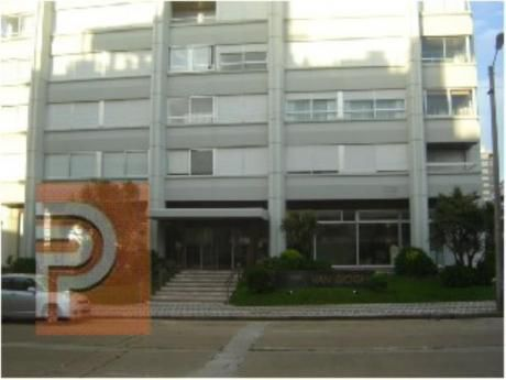 Apartamentos En Península: Plg2403a