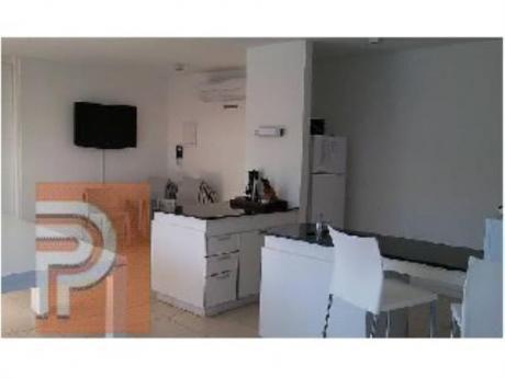 Apartamentos En Playa Mansa: Plg2426a