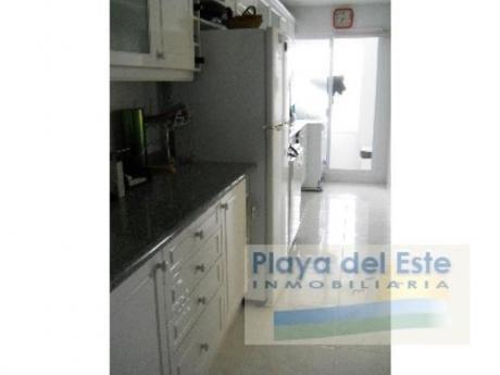 Apartamentos En Playa Mansa: Pla340a
