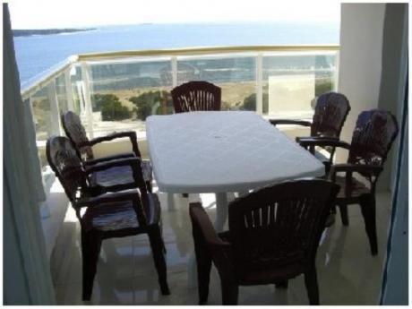 Apartamentos En Playa Mansa: Pla5650a