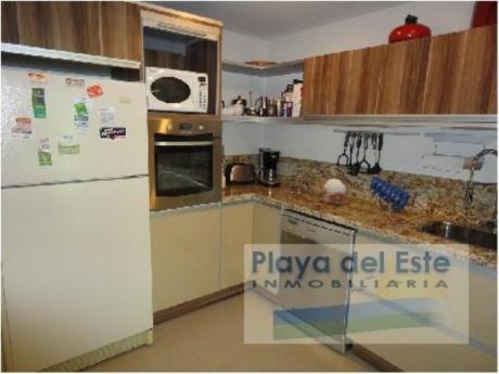 Casas En Playa Mansa: Pla5854c