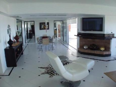 Apartamentos En Playa Brava: Pla6127a