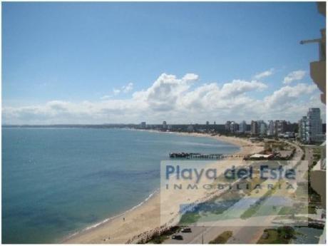 Apartamentos En Playa Mansa: Pla6372a
