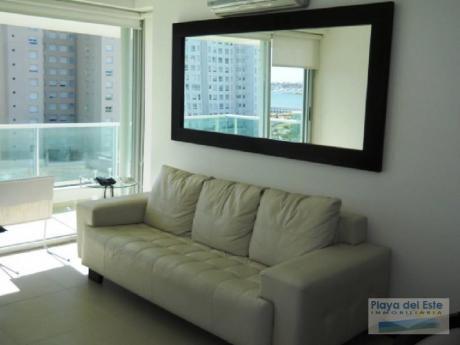 Apartamentos En Playa Mansa: Pla6848a