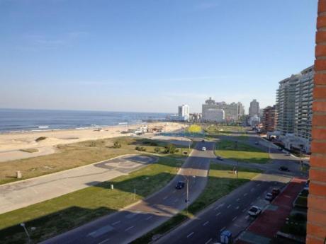 Apartamentos En Playa Brava: Pla7129a