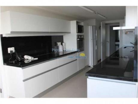 Apartamentos En Playa Brava: Pla8072a