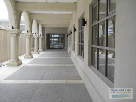 Apartamentos En Playa Brava: Pla8758a