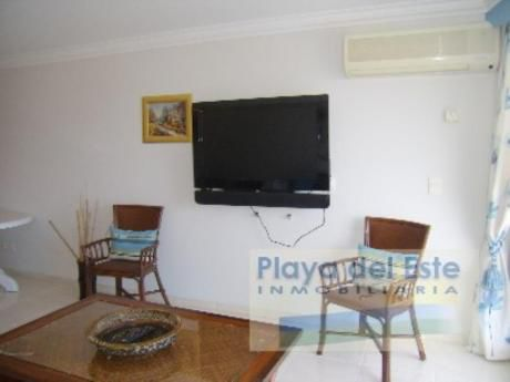 Apartamentos En Playa Mansa: Pla972a
